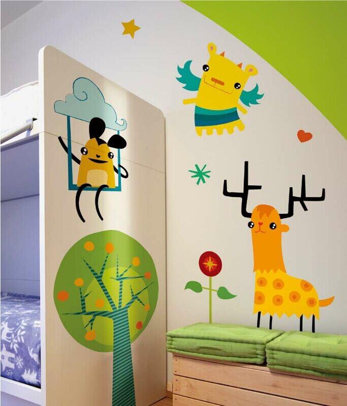 目前我们的手绘墙画基本都使用的是环保的无毒无味的丙烯颜料.